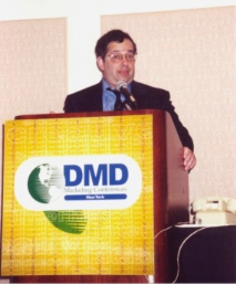 Bob Bly Speaking on DMD Podium Image